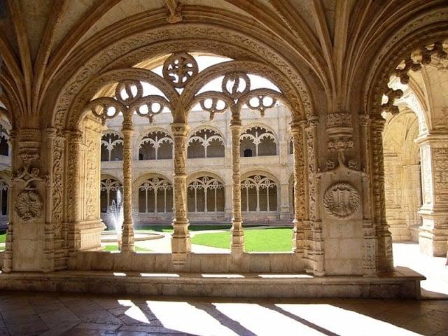 Como llegar al Mosteiro dos Jerónimos en Lisboa