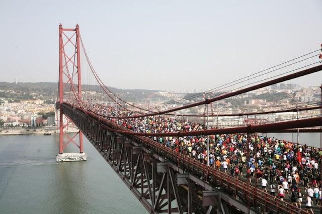 Media Maratón de Lisboa en el Puente 25 de Abril
