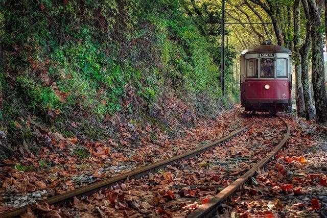 Tranvía (Elétrico) de Sintra que va hasta la Praia das Maçãs