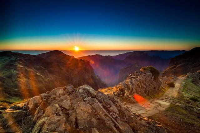 Atardecer en el Pico do Areeiro en la Isla de Madeira