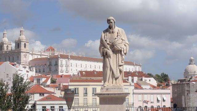 Estatua en homenaje a São Vicente