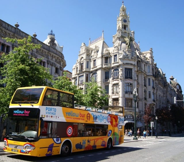 Autobús de Yellow Bus en Oporto
